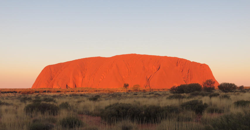 uluru símbolo do outback australiano